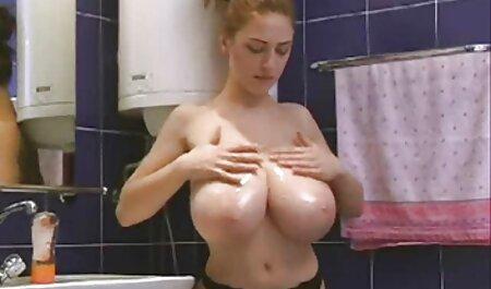 Koža - Eva Lovia spremna je za spuštanje! 13.838 hd sauna porno