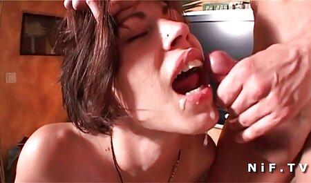 Horny hd porno e student Bates orgazam sa svojim hitachi