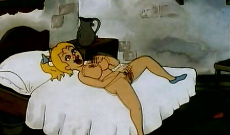 Prsata Olivia Austin porno video hp buši se na kauču