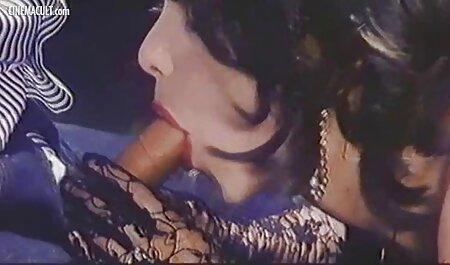 Sassy Rumunja sa porn hd cinema savršenim sisama
