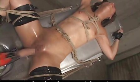 Jebena guzica i porno hd striptease pička