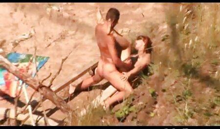 Dragocjena Azijka dobiva porno fox hd svoju mokru pičku jebenom igračkom na web kameru