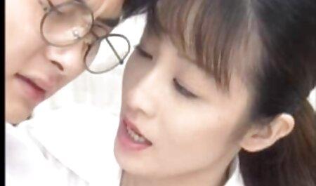Dva free sex film hd prijatelja lezbijke u teretani, koji imaju znojne vježbe