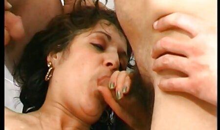 Kad se djevojke igraju - ližem maminu majku porno hd american