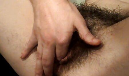 Azijska drolja ima igračku zaglavljenu türkce sikis filmi u njenoj mokroj vagini